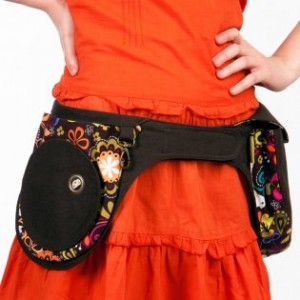 liliputi_pocket_belt_folktale_1757_m