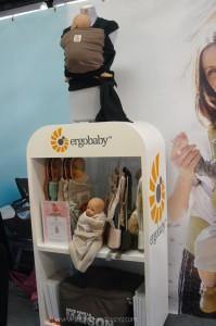 ergobaby-echarpe-couverture-emmaillotage